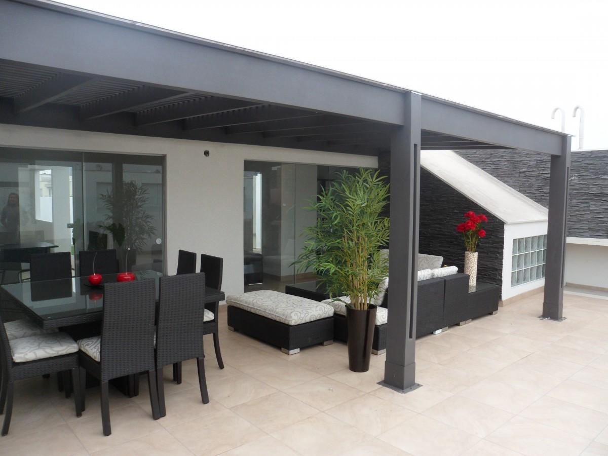 Techos de madera sol y sombra policarbonato 39 a os for Techos de metal para terrazas
